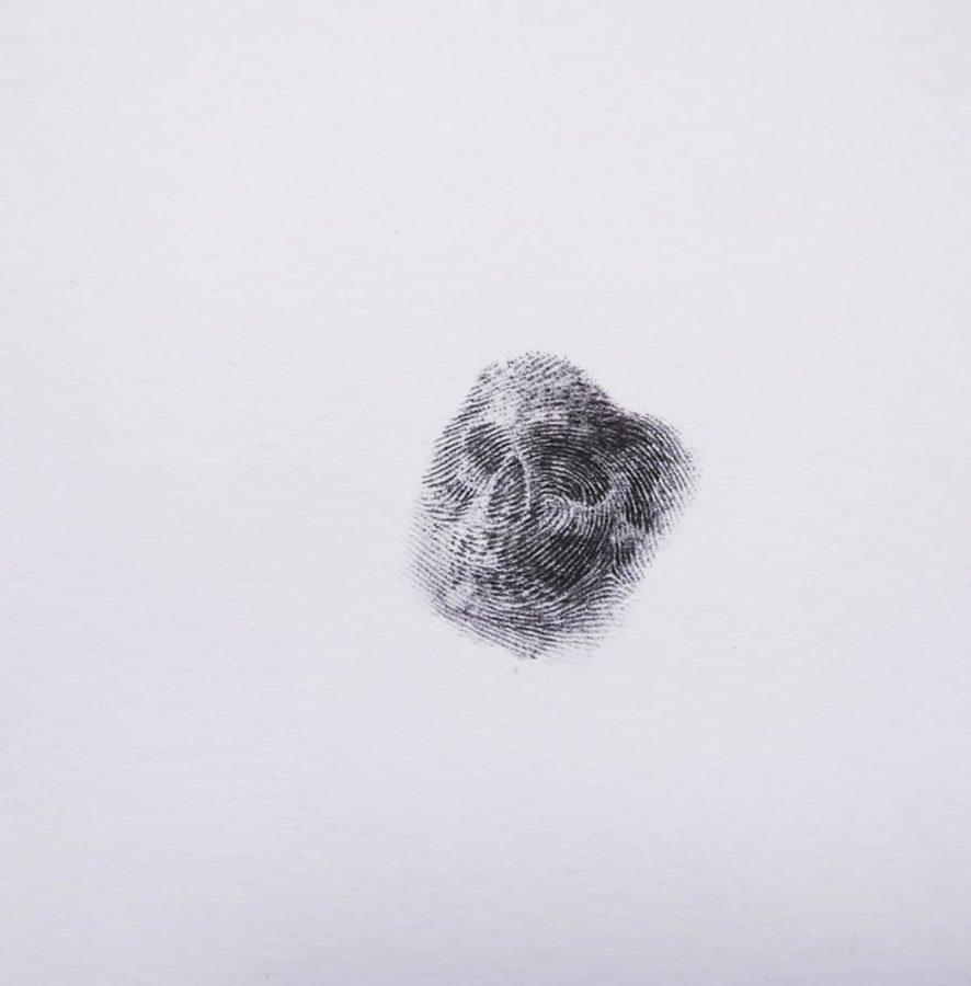 Memento Mori 6, 2015, Daniel E Acuña T, grafito sobre papel, 9.8x9.5 cm